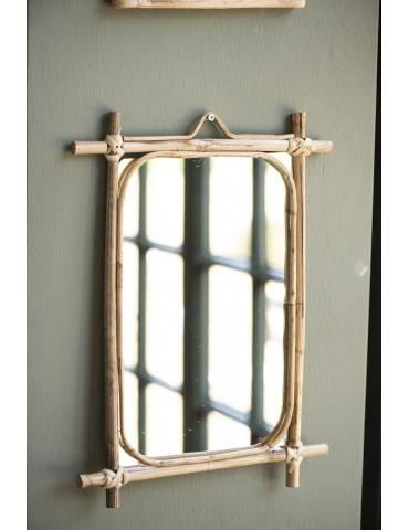 Ib Laursen spejl ophængt på væg