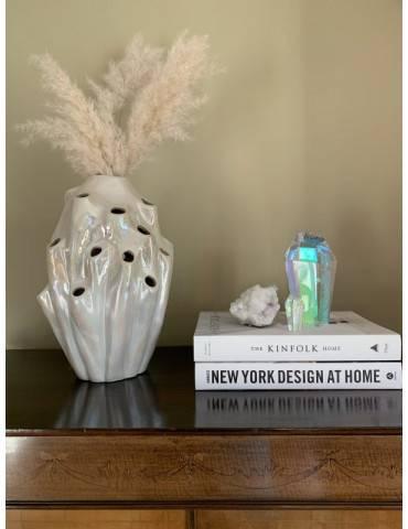 Eden Outcast Lava vase White på bord
